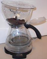 Add coffee ito upper chamber
