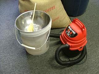 Using a Shop Vac to Quickly Cool Your Home Coffee Roast