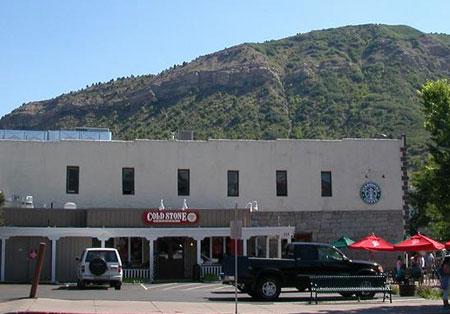 Cold Stone Starbucks