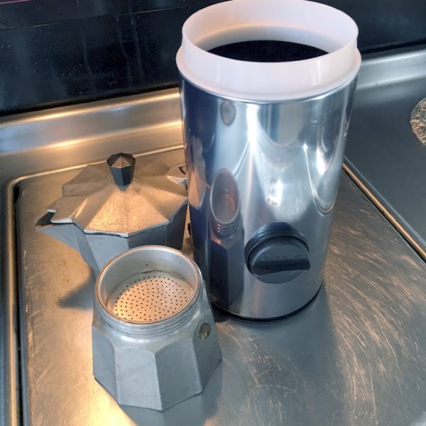 moka pot dispenser