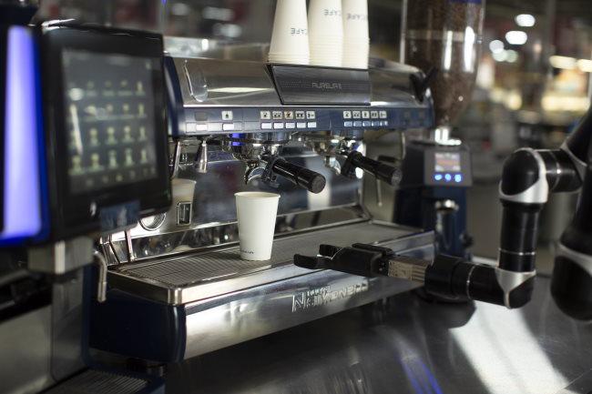 robot coffee